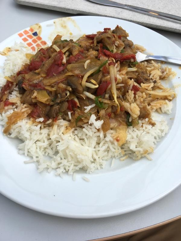 Feuriges Reisgericht  in der HTWK-Mensa versalzen