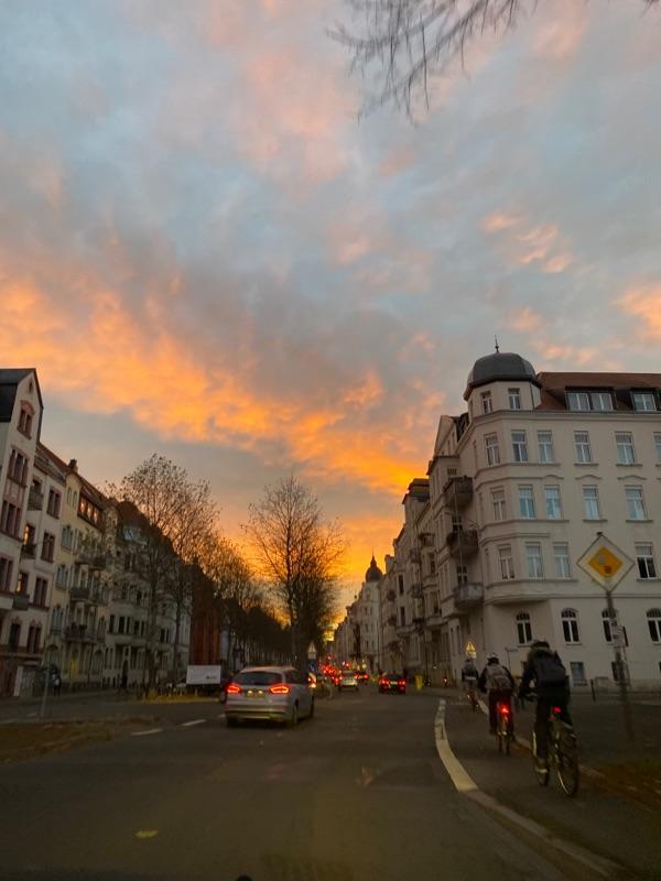Schöner Morgenhimmel über Connewitz