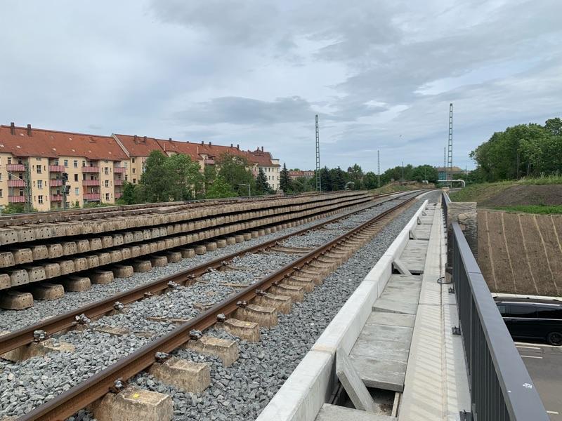 Erste Brücke fertig / Oststraße