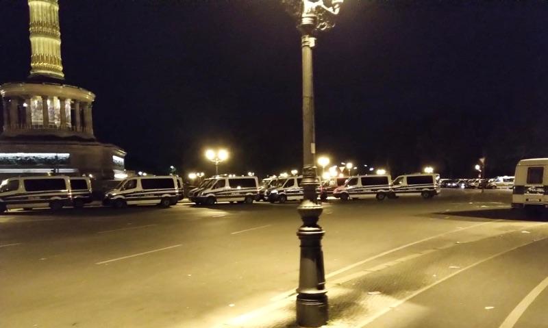 Polizeieinsatz Sonntag Nacht an der Siegessäule
