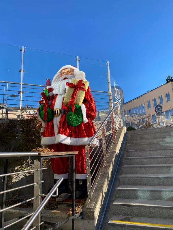 erster Weihnachtsmann im Zentrum Baldham