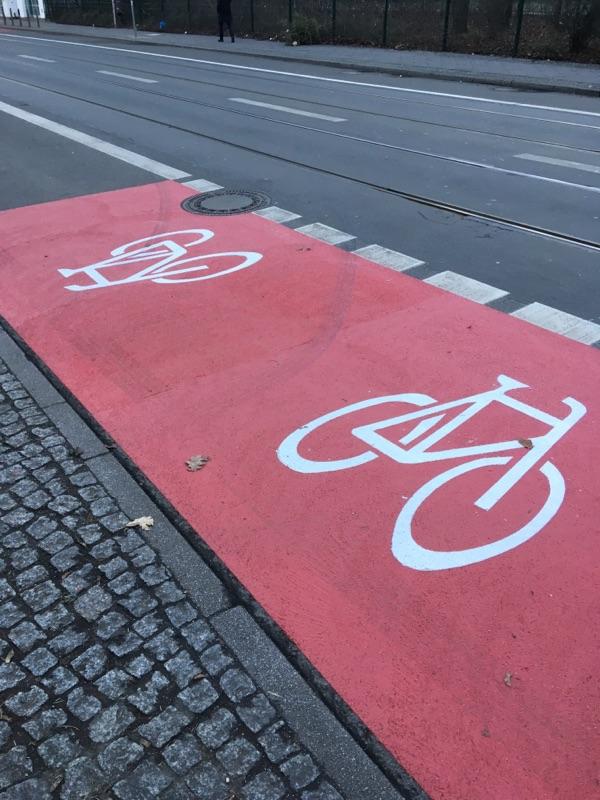 Neue Fahrradspuren in der Invalidenstraße in Mitte