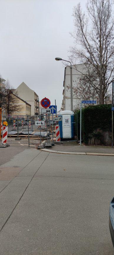 Bauarbeiten an der Ecke Paul-Gruner-Straße/Bernhard-Göring-S