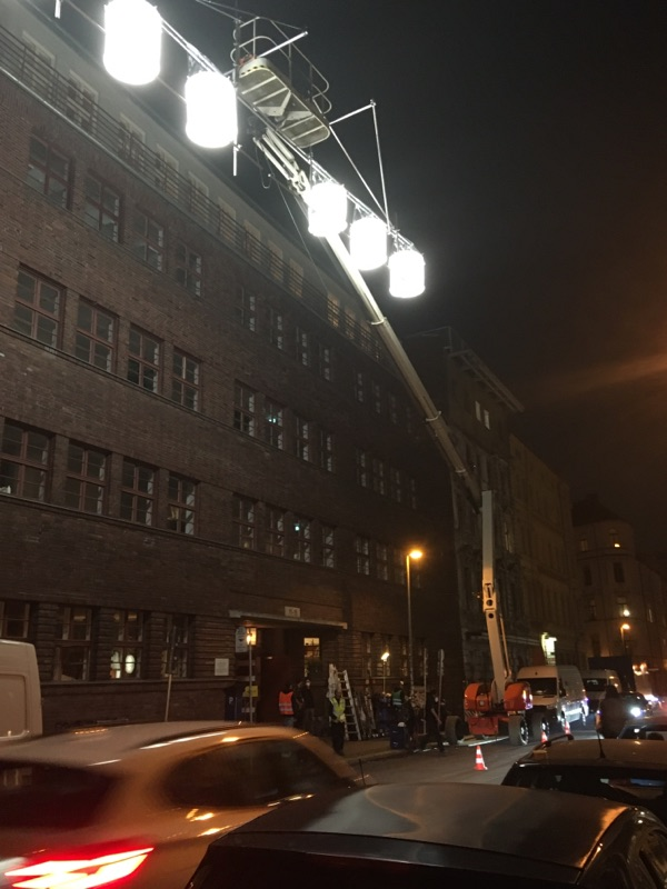 Filmaufnahmen in der Auguststraße in Berlin-Mitte