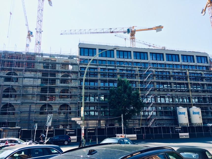 Neubauten am Tacheles wachsen weiter