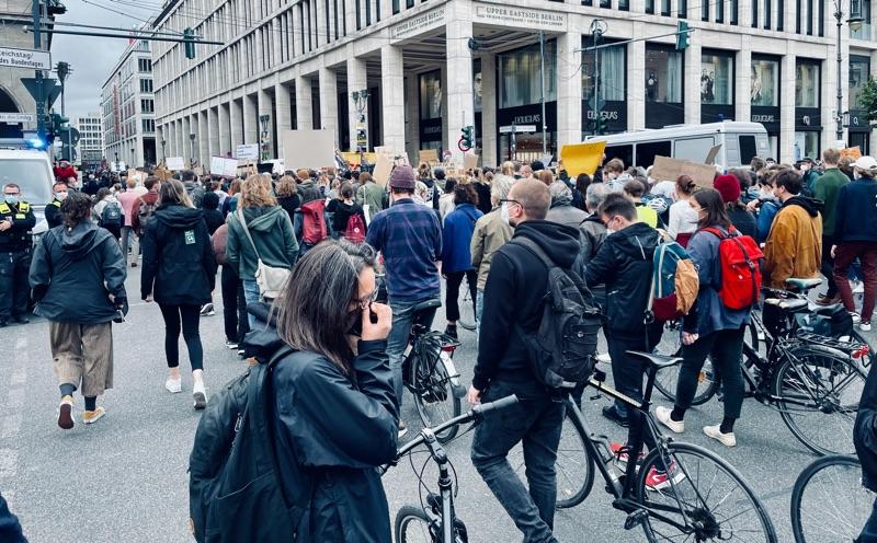 Unter den Linden und Friedrichstraße gesperrt